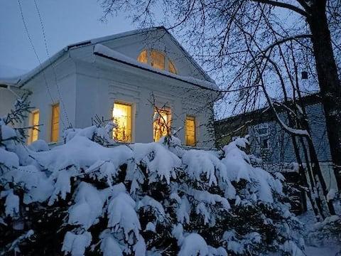 Купеческий дом в Ростове Великом только первый эт.