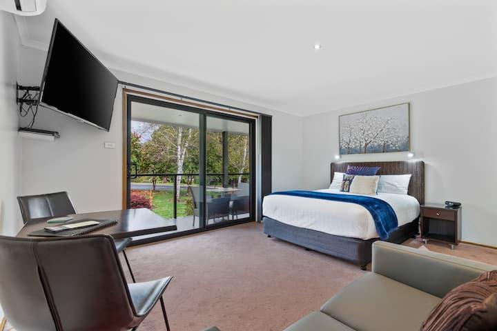 Cloverhill Suite 5