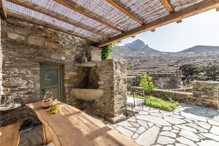 Olive Grove Cottage —Under the Linden Tree, Tinos