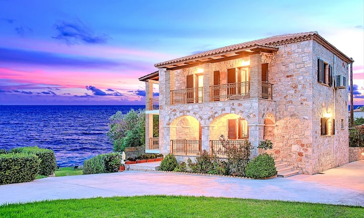 Villa Mare Psarou with Private Beach