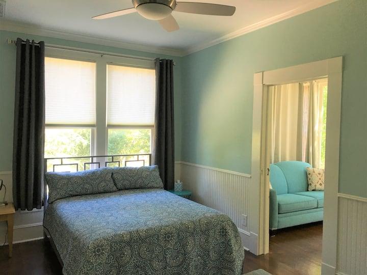 Mockingbird Suites - LaNana Suite