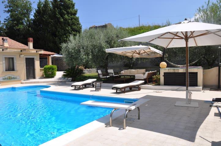 Villa Cinao