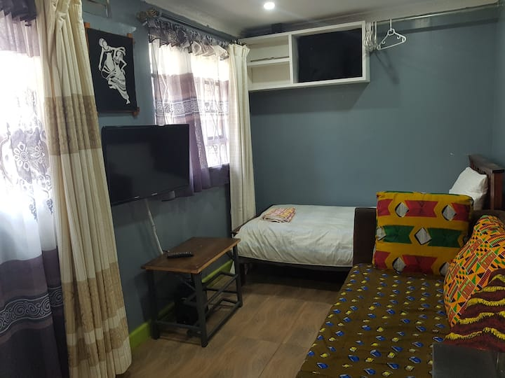 COSY FURNISHED STUDIO WITH WIFI & FREE NETFLIX