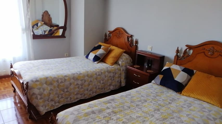"Chalet  en Santander 1 "" Private Room"""
