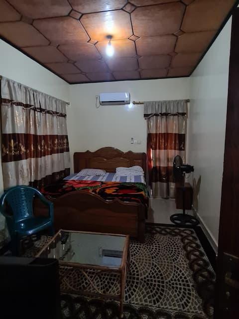 Chambre climatisée douche interne Kipé Conakry