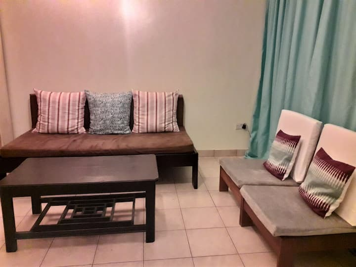 Tricia's One Bedroom B - with Free WiFi.