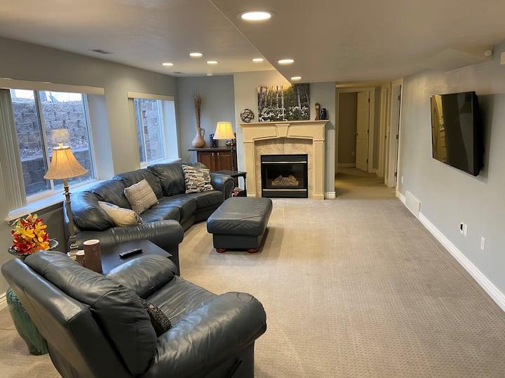 Large & super clean Springville basement apartment