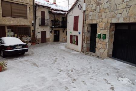 Passaġġ għall-entratura mingħajr turġien