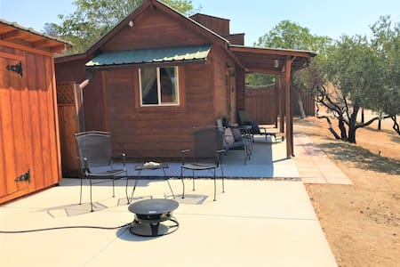 Quaint Private Bunkhouse minutes from wineries