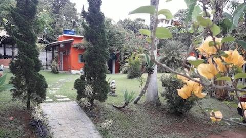 Casa de Campo com Piscina e Campinho