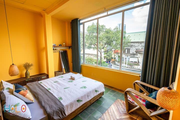 Indochina Color Room near Ben Thanh Market *BT402