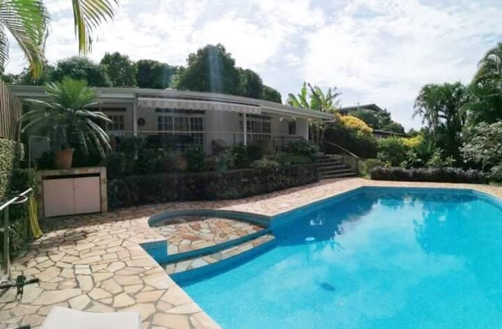 Belle Maison type F5 avec Piscine à Papeete