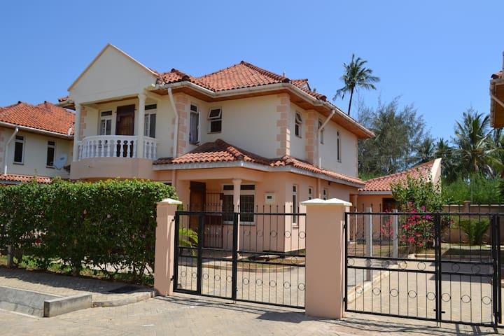 Azanza Mtwapa Holiday Home