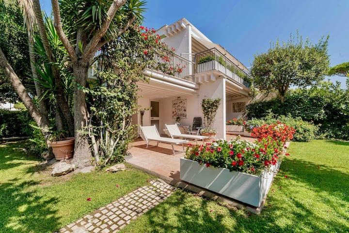 Villa Carrubo, angolo di paradiso a 300m dal mare