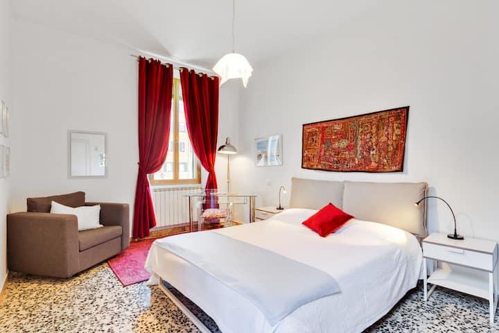 Dorsoduro Cozy Apartment with GARDEN!