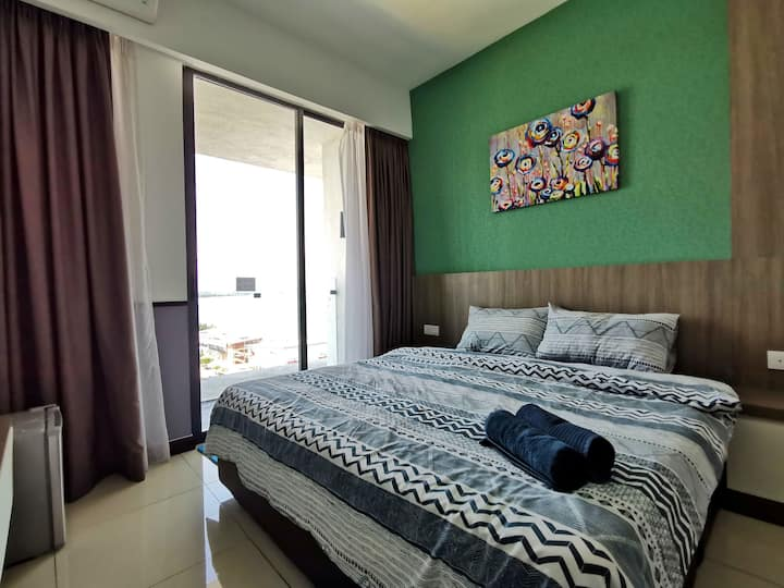 PD Waterfront City - Amazing Seaview (Up to 3 pax)
