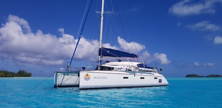 Private catamaran in Bora-Bora