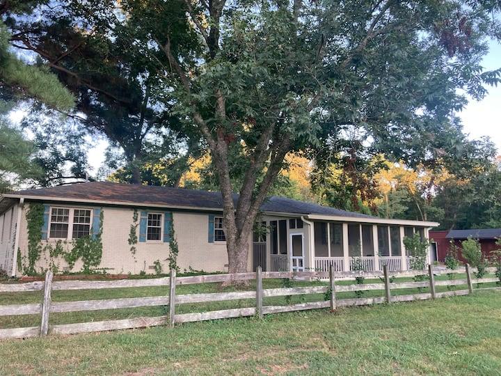 Entire house near Memphis: quiet, 17 min to dwntwn