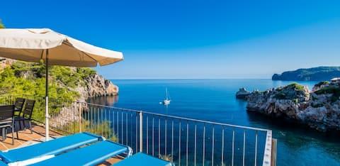 Nice casita with seaview in Cala Deia 2
