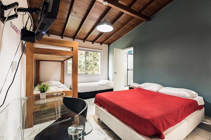 Habitación múltiple priv + baño + breakf Poblado