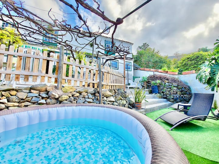 Emblematic House with Private Outdoor Jacuzzi +BBQ