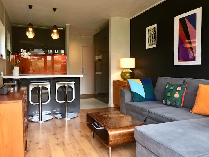 Bright one bedroom apartment sleeps 4 in Lavachet!