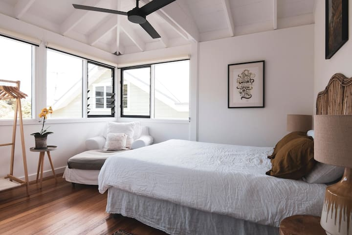 Another Queen size bedroom at The Black Ace Residence.  Ducted air conditioning and heating, ceiling fan and amazing sea breezes.