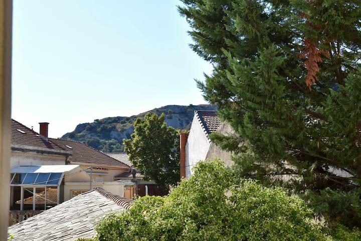 Appartement cœur de ville Cavaillon +parking privé