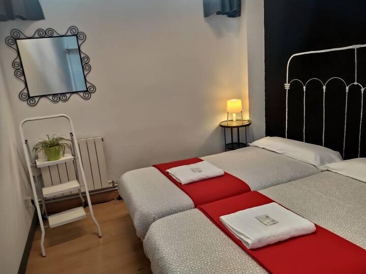 Individual room in Deusto (hostel)