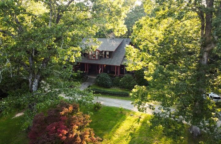 Serene Flat Rock Farm House Get-Away