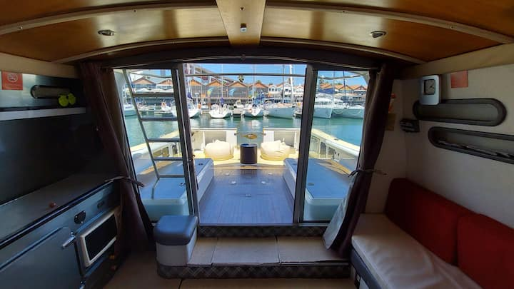 Exclusive Boat Rental in Lisbon - Sleep Over Water