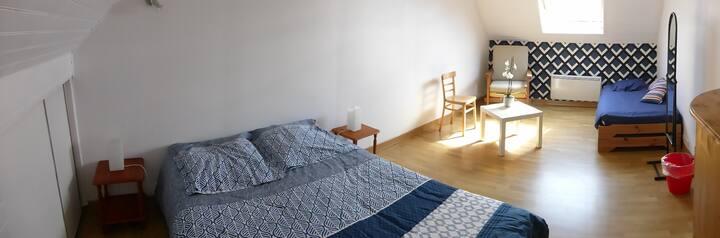 Chambre chez l'habitant,  1 à 4 personnes, 17 m2.