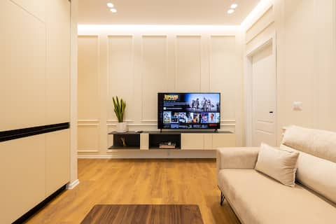 Brand new apartment on secure building complex
