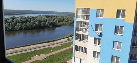 Отличная квартира в новом доме с видом на реку!