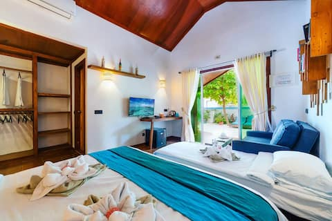 Beach Villa Ukulhas - Family Bungalow
