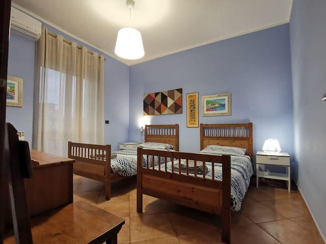 Seconda camera da letto.