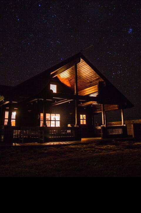 Grand Log Cabin Geysir
