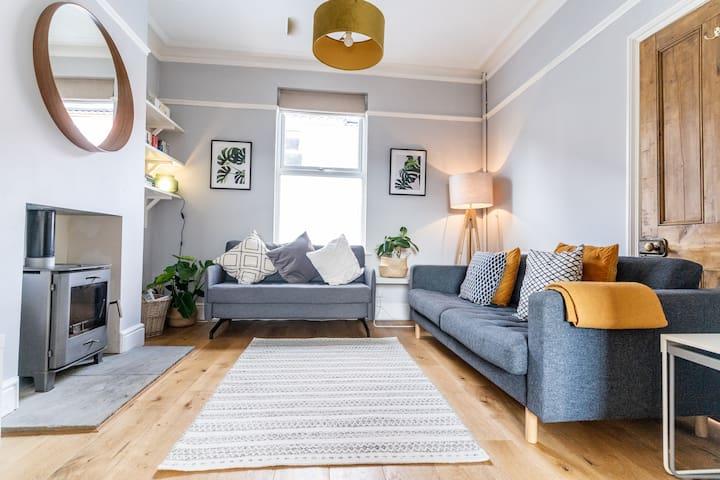 Spacious, Comfortable House Close to City Centre