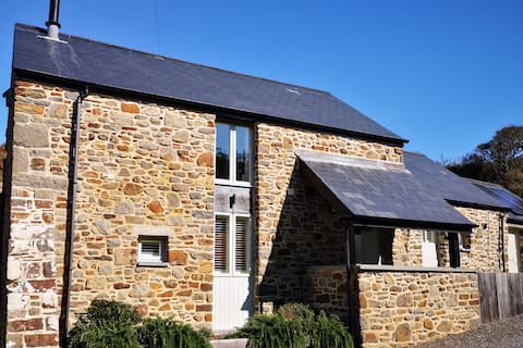 Beautiful Mill House by the sea, Nolton Haven