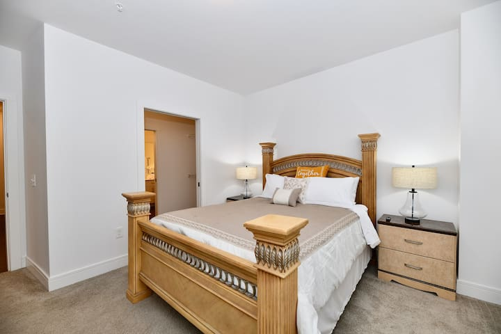Get cozy in our primary bedroom, which includes an attached, independent bathroom. Privacy at the highest level.