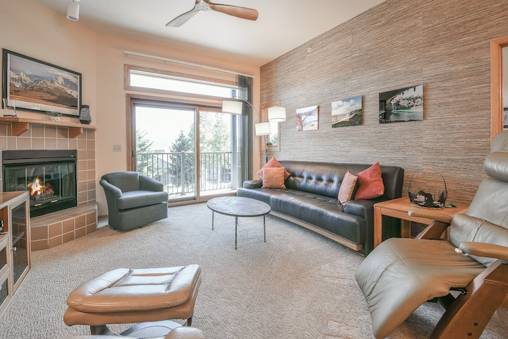 Great Condo Centrally Located between Vail & Breck