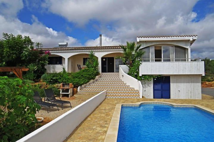 Villa Violeta, oasis of peace with sea view.
