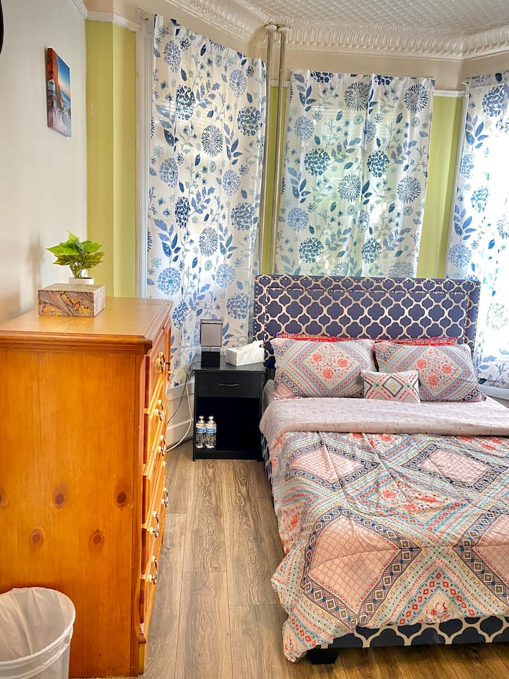 LARGE SUNNY BDROOM 10MIN TO NYC W/Private Entrance