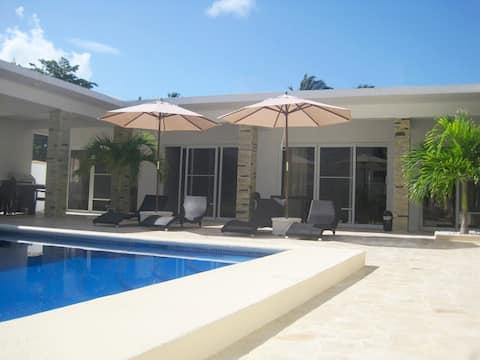 6 Suite Beach Villa, ideálna pre skupiny a rodiny