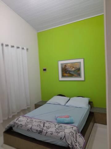 Quarto cama Casal.
