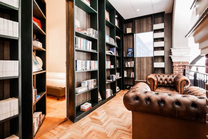 Hotel Not Hotel: Secret Bookcase Medium