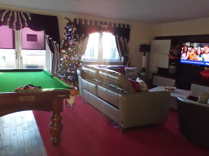 Strathaven luxury holiday apartment  1  4/5 guests