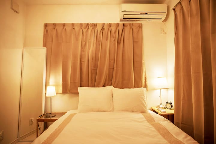 第1ベットルーム bed room 1