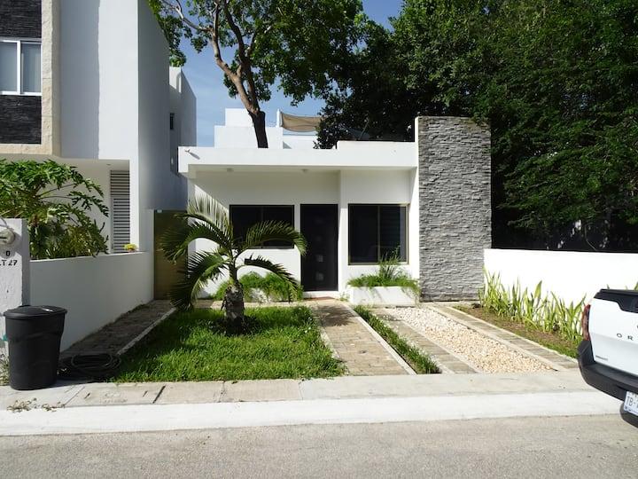 Casa del Árbol, Pto Morelos, 3 Recámaras y Piscina
