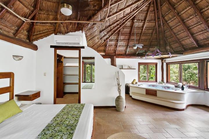 Exclusive villa /  Private pool, jacuzzi & Nature